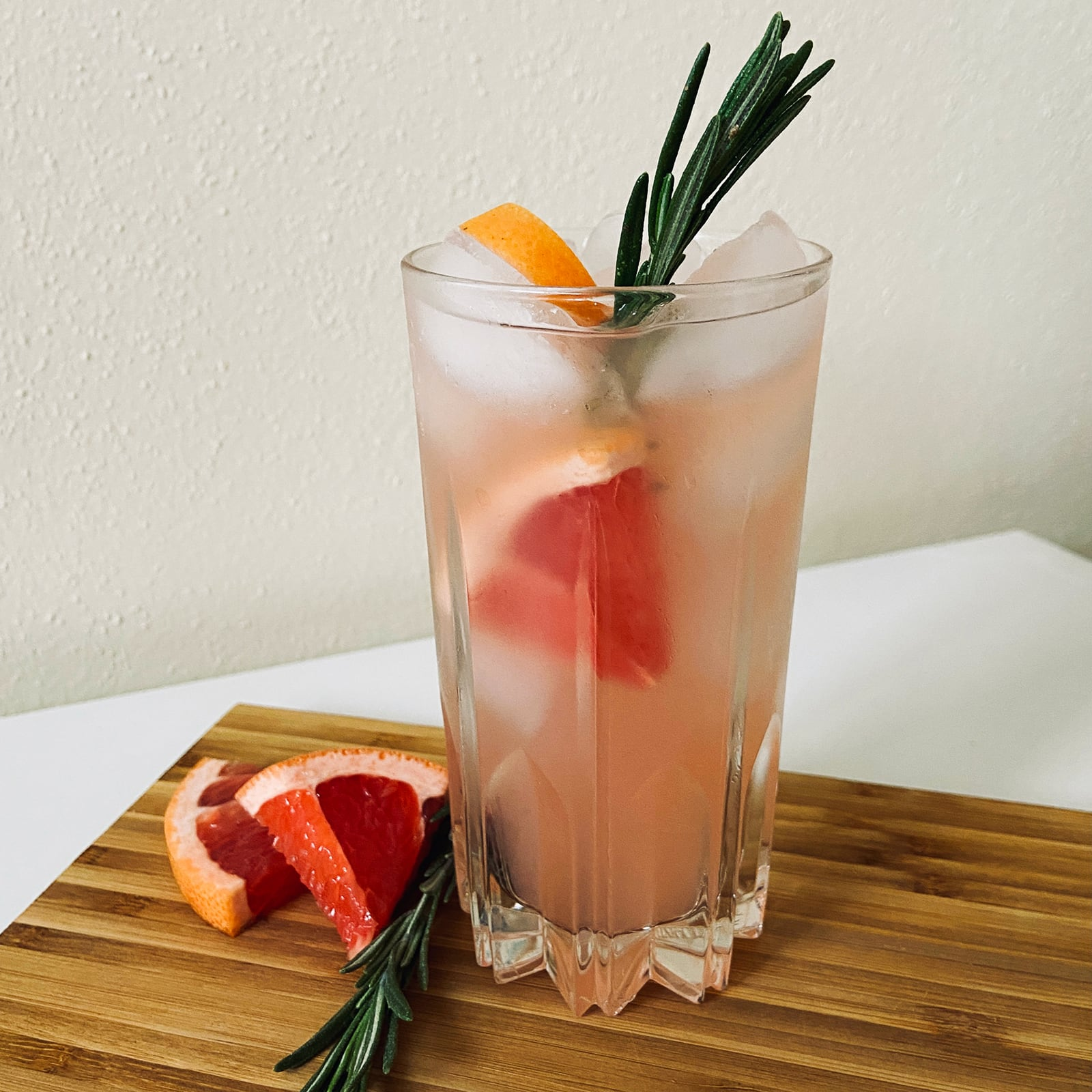 Grapefruit Gin Fizz Cocktail Recipe