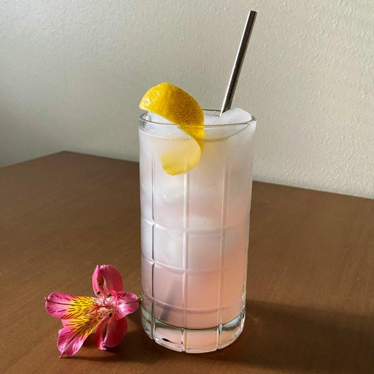 rhubarb collins cocktail