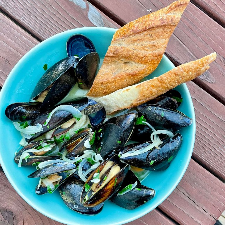 steamed mussels with white wine and Cascadia Liqueur