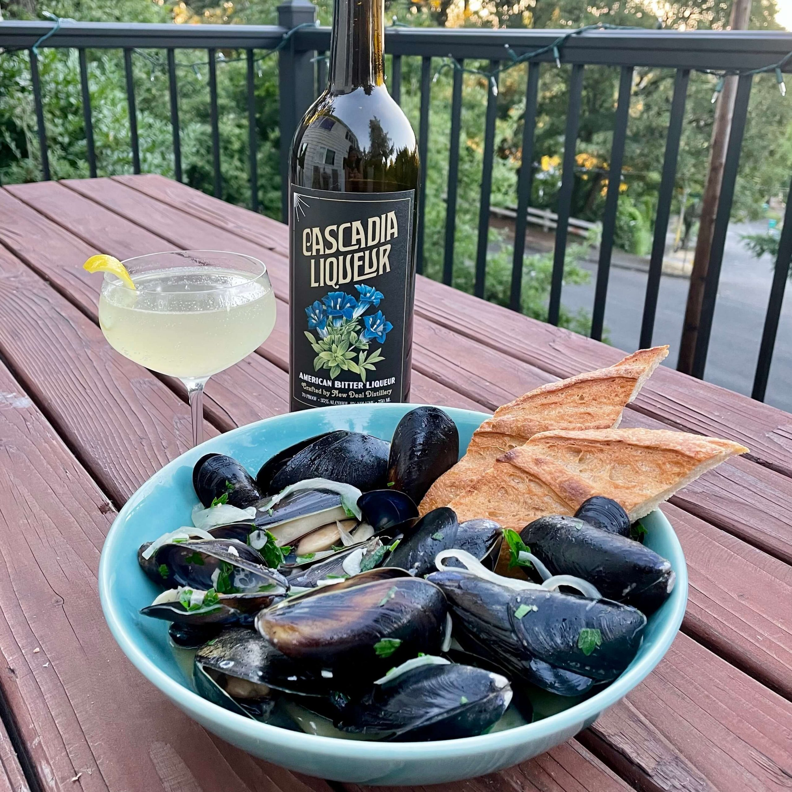 new-deal-cascadia-steamed-mussles-3
