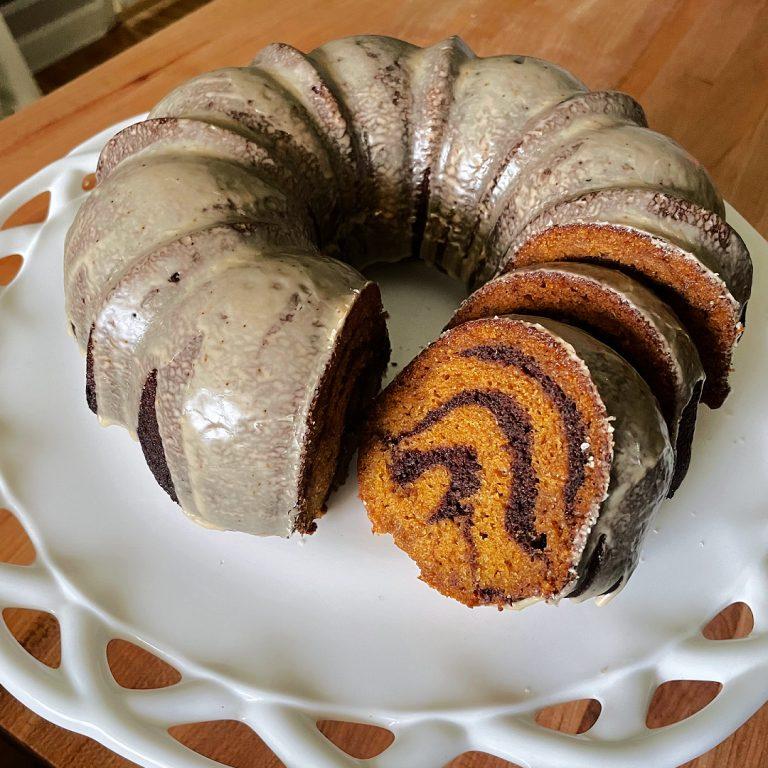 swirled psl bundt cake